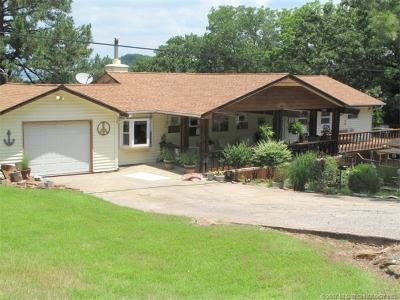 Cookson OK Single Family Home For Sale: $187,000