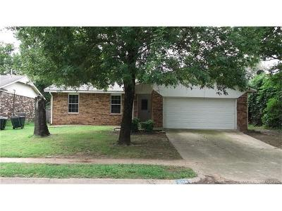 Sand Springs Single Family Home For Sale: 608 W 26th Street