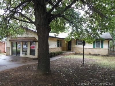 Claremore Single Family Home For Sale: 1126 N Kansas Avenue