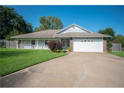 Claremore Single Family Home For Sale: 709 W 19th Street S