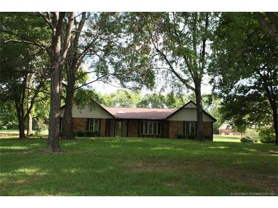 Claremore Single Family Home For Sale: 9825 E Northshire Street