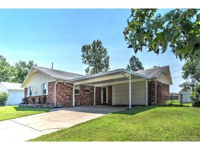 Sand Springs Single Family Home For Sale: 702 Trinidad Drive
