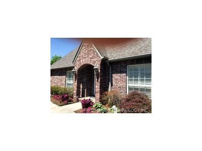 Owasso Single Family Home For Sale: 9107 N 100th East Avenue