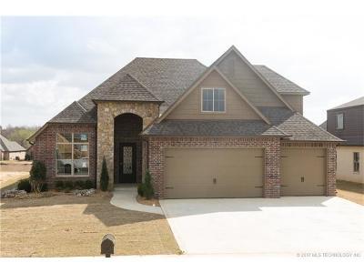 Broken Arrow Single Family Home For Sale: 4017 W Van Buren Street