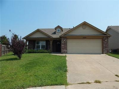 Jenks Single Family Home For Sale: 10409 S Prescott Place