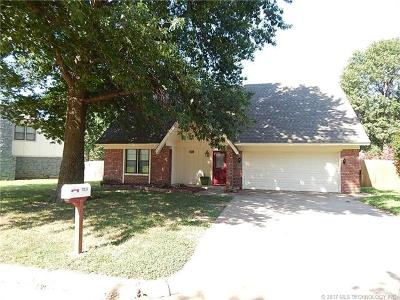 Broken Arrow Single Family Home For Sale: 7520 S Date Place