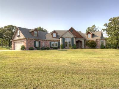 Skiatook Single Family Home For Sale: 10446 Cross Oaks Drive