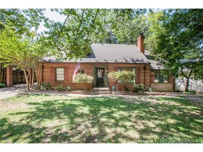 Tulsa Single Family Home For Sale: 2516 S Columbia Place