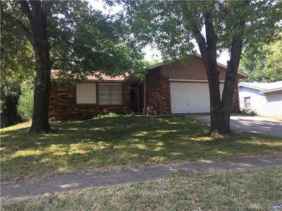 Sand Springs Single Family Home For Sale: 2806 S Nassau Avenue
