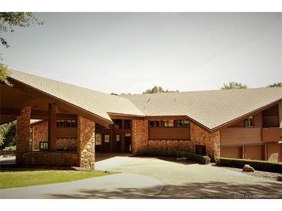 Tulsa Single Family Home For Sale: 2858 E 67th Place