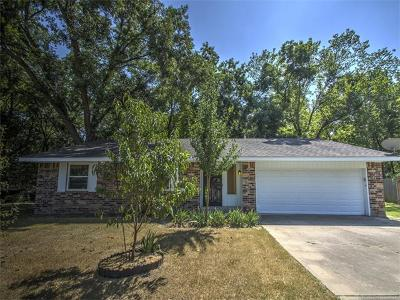 Bartlesville OK Single Family Home For Sale: $122,000