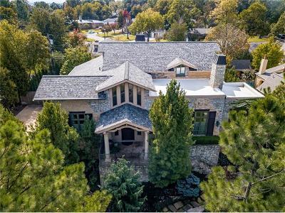 Tulsa Single Family Home For Sale: 2712 E 33rd Place
