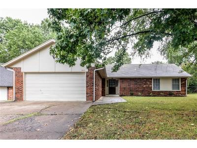 Broken Arrow Single Family Home For Sale: 3010 E Jackson Street