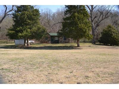 Skiatook Single Family Home For Sale: 40850 Hwy 11 Road