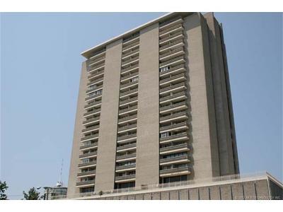 Tulsa Condo/Townhouse For Sale: 1502 S Boulder Avenue #15F