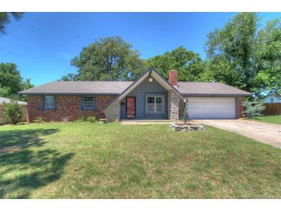 Sand Springs Single Family Home For Sale: 1212 N McKinley Avenue