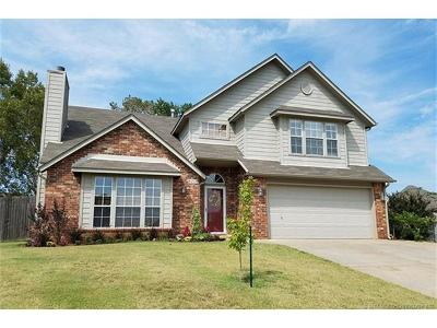 Broken Arrow Single Family Home For Sale: 8204 S Dogwood Court