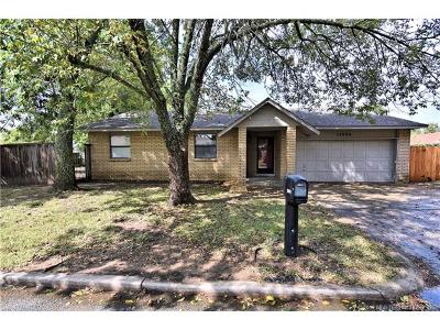 Glenpool Single Family Home For Sale: 13980 S Hickory Street