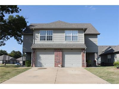 Catoosa Multi Family Home For Sale: 901-903 River Xing Street