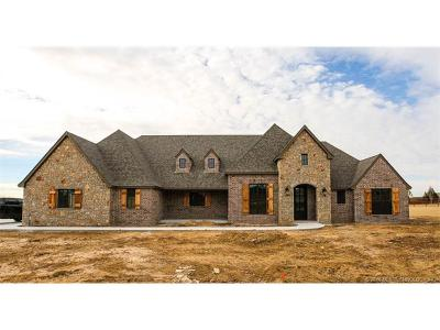 Owasso Single Family Home For Sale: 8926 N 65th Place E