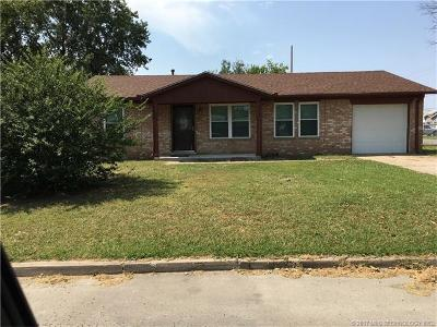 Skiatook Single Family Home For Sale: 1102 S Broadway Street