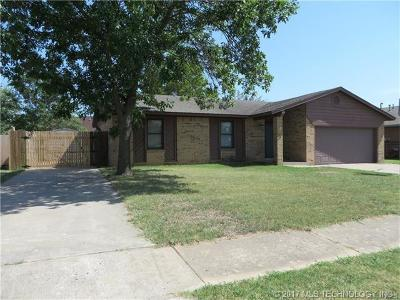 Owasso Single Family Home For Sale: 11808 E 80th Court North