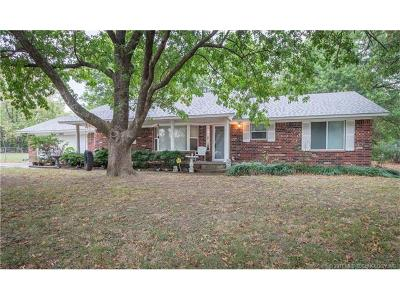 Claremore Single Family Home For Sale: 1180 W Country Club Road