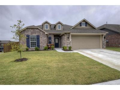 Owasso Single Family Home For Sale: 14622 E 111th Court North