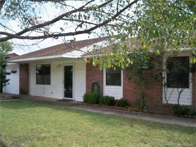 Claremore Single Family Home For Sale: 1107 Walnut Street