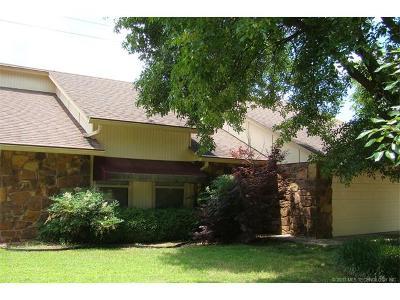 Broken Arrow Single Family Home For Sale: 4608 S Maple Avenue