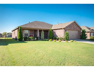 Coweta Single Family Home For Sale: 26928 E 142nd Place S