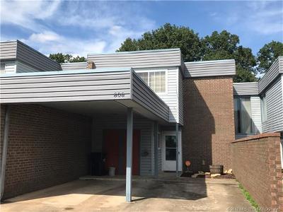 Ada Condo/Townhouse For Sale: 808 Maple Street