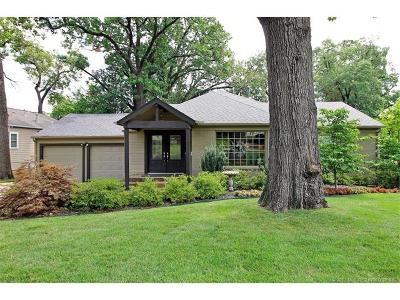 Tulsa Single Family Home For Sale: 3627 S Yorktown Place