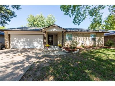 Glenpool Single Family Home For Sale: 661 E 135th Place