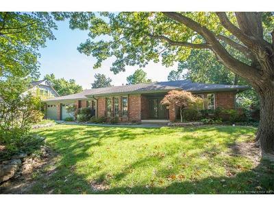 Tulsa Single Family Home For Sale: 2940 E 56th Place
