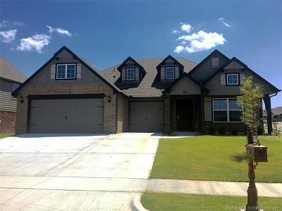 Bixby Single Family Home For Sale: 2004 E 132nd Place S