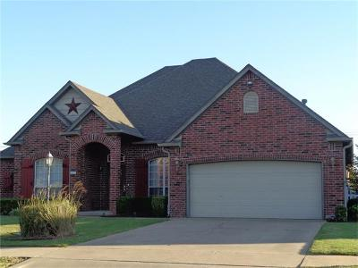 Jenks Single Family Home For Sale: 410 W 120th Place S