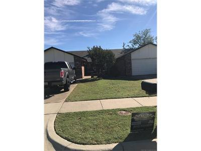 Tulsa Multi Family Home For Sale: 4611/4613 S 72nd Place E