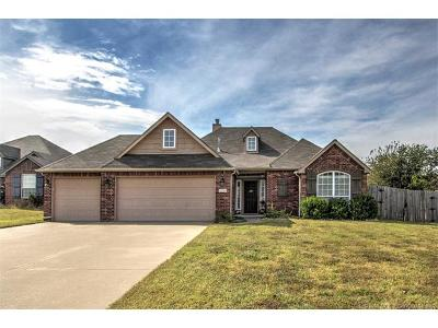 Sand Springs Single Family Home For Sale: 5304 Skylane Place