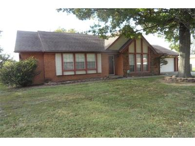 Claremore Single Family Home For Sale: 25176 S Valley Drive