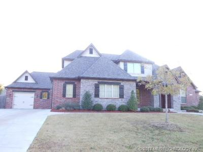 Broken Arrow Single Family Home For Sale: 7207 S Sycamore Place