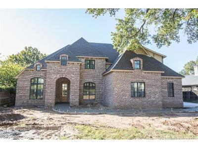 Tulsa Single Family Home For Sale: 3220 S Yorktown Avenue