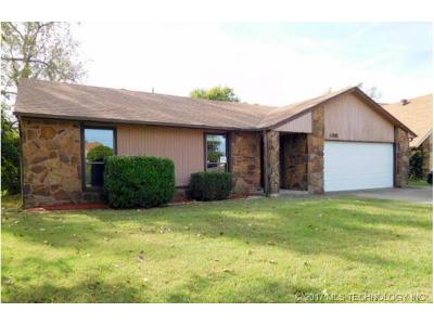 Owasso Single Family Home For Sale: 11802 E 83rd Place N
