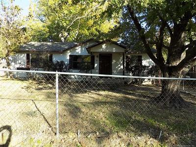 Holdenville OK Single Family Home For Sale: $26,500
