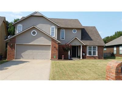 Tulsa Single Family Home For Sale: 9109 E 88th Court