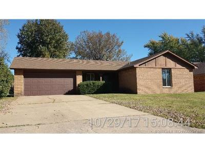Osage County, Rogers County, Tulsa County, Wagoner County Single Family Home For Sale: 767 N Zenith Avenue