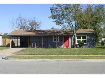 Owasso Single Family Home For Sale: 905 N Cedar Street