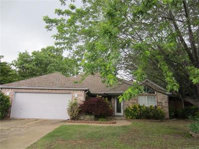 Sand Springs Single Family Home For Sale: 1618 Fir Drive