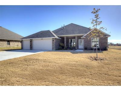 Claremore Single Family Home For Sale: 25295 Creek Bank Trail