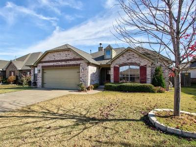 Sand Springs Single Family Home For Sale: 5209 Bahama Avenue